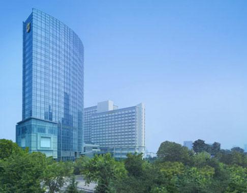 青岛市南区香港中路9号        位置:青岛香格里拉大酒店位于青岛市